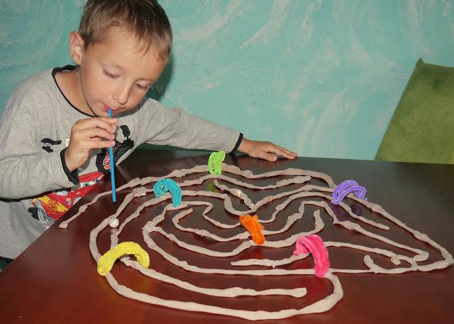 zabawy w domu dla 2-3 latków