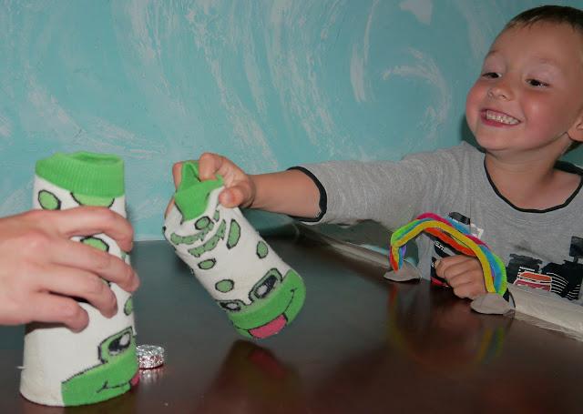 cymbergaj zabawy dla dzieci w domu