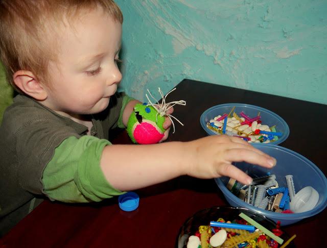 zabawy dla malych dzieci w domu