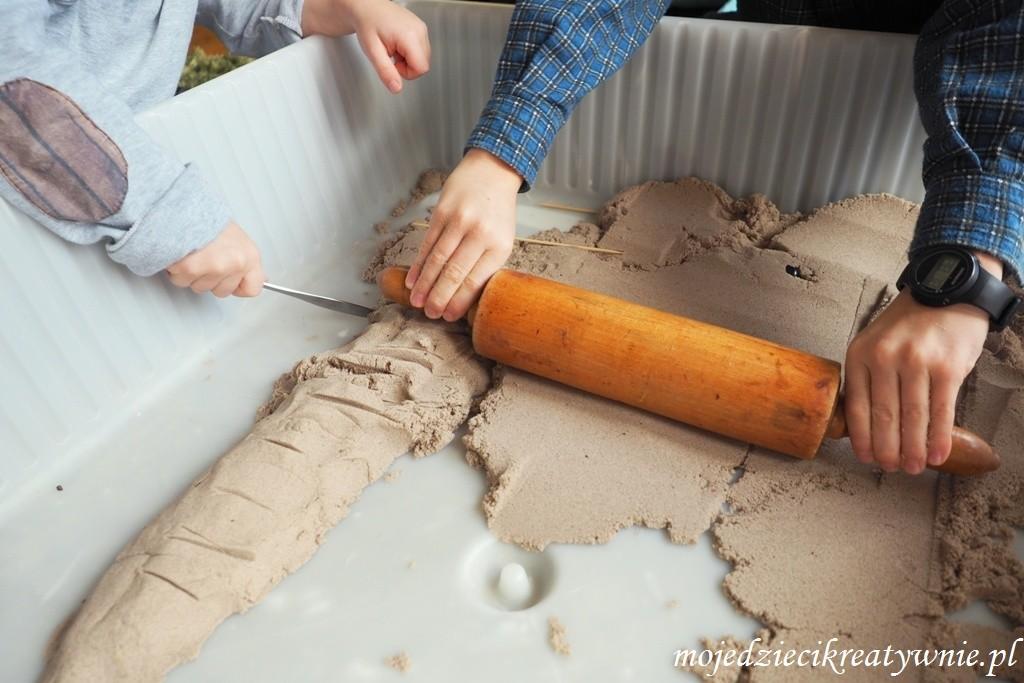 zabawy piaskiem kinetycznym