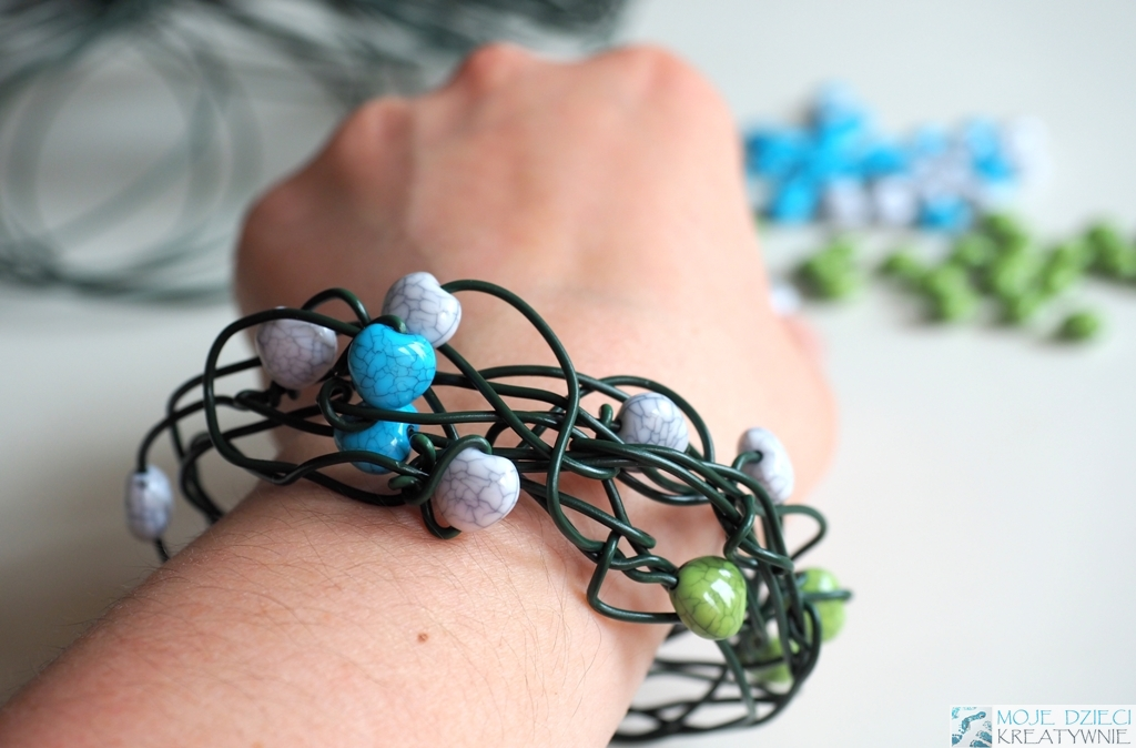 Bransoletka z koralików DIY