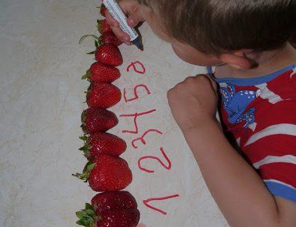 truskawkowa matematyka dla dzieci, nauka pisania