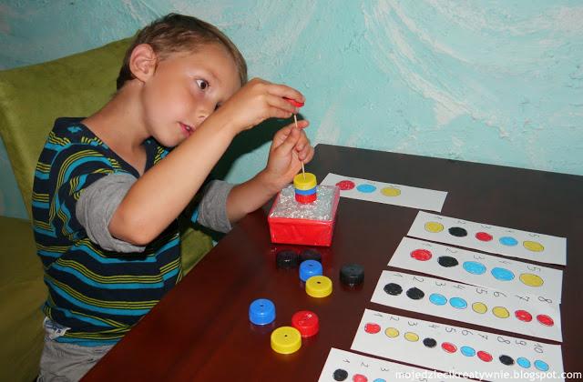 zabawy z nakretek zabawy dla dzieci w domu kreatywnie edukacja przedszkolu dwulatka trzylatka