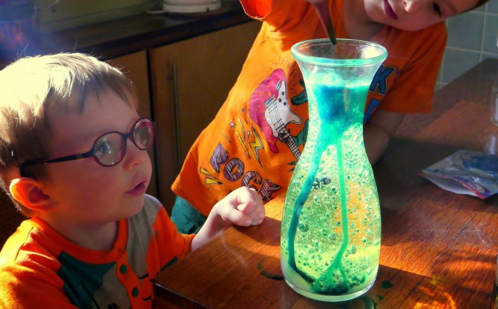 eksperymenty dla dzieci doświadczenia w domu kreatywnie
