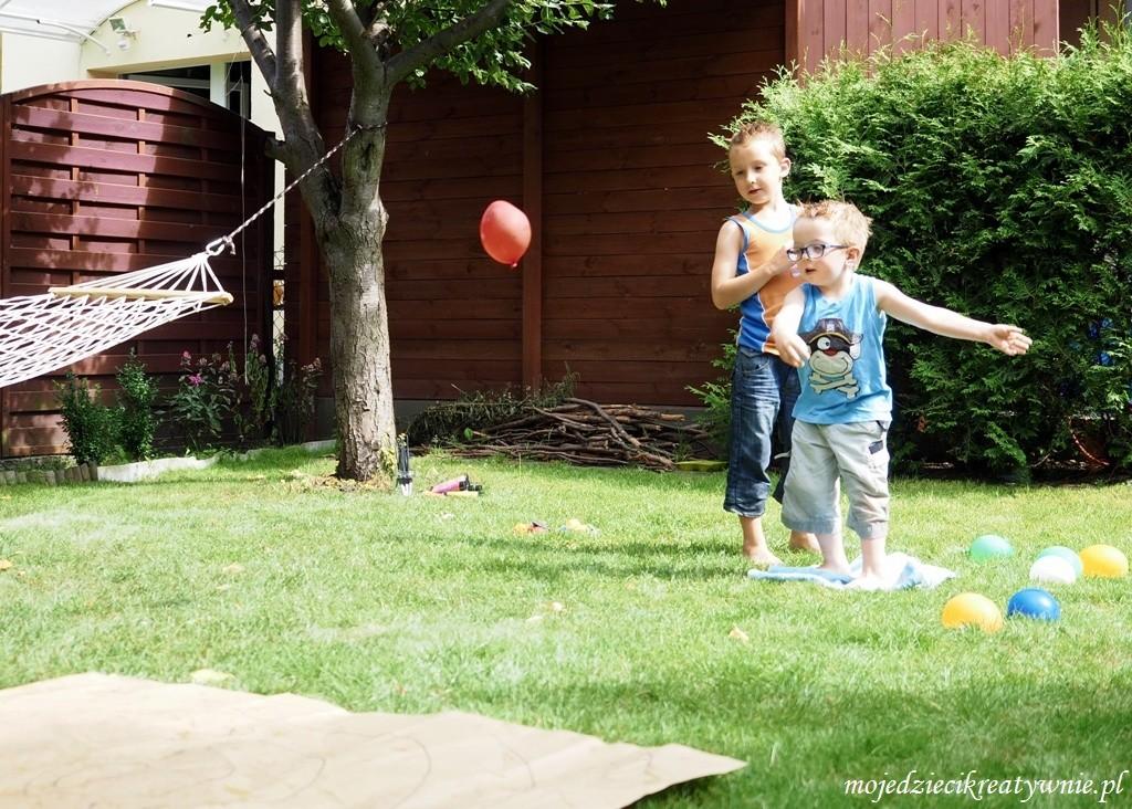 zabawy z balonami wodnymi