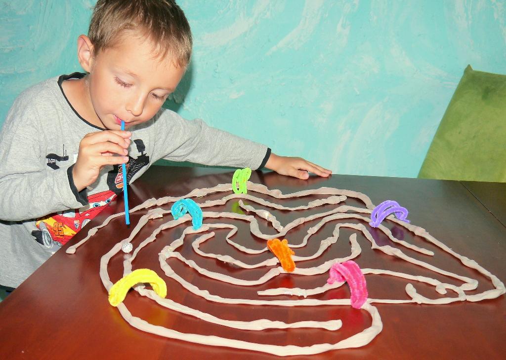 zabawy dla dzieci w domu kreatywnie edukacja przedszkolu dwulatka trzylatka