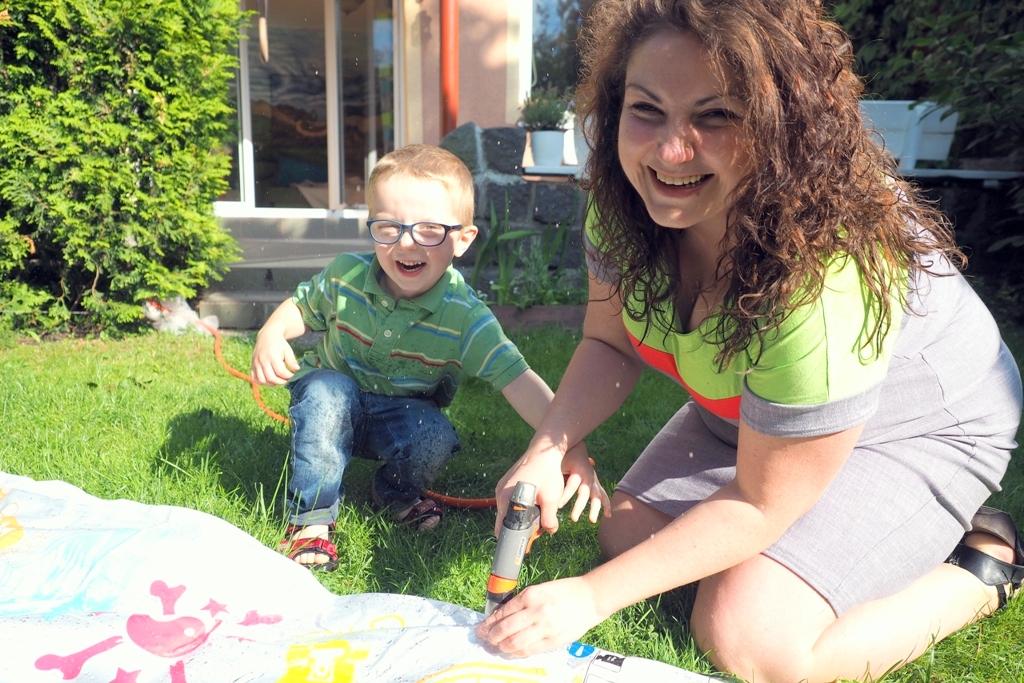 blogi parentingowe, moje dzieci kreatywnie, wodny materac, zabawy wodne, Zabawy i eksperymenty z wodą