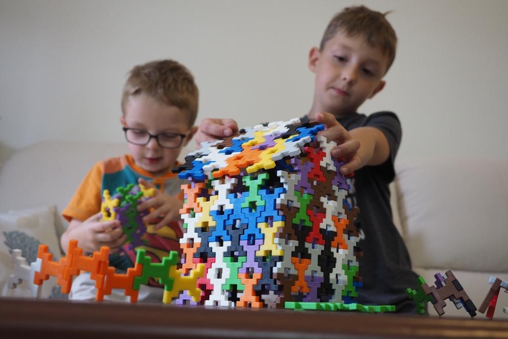 klocki incastro konstrukcyjne incastro plusplus plastikowe ciekawe edukacyjne