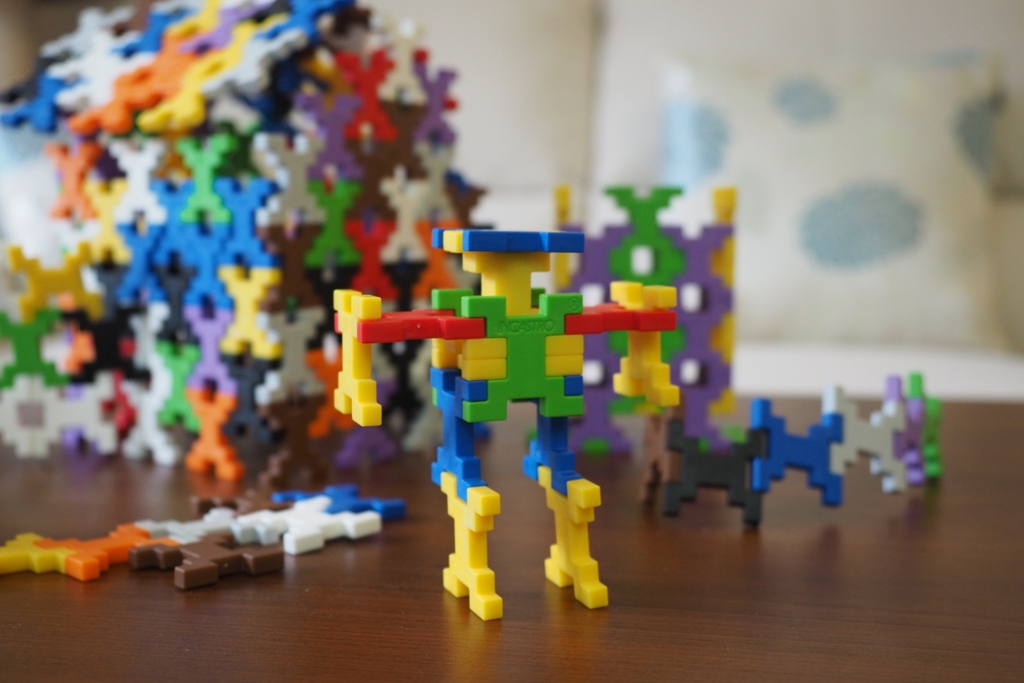 klocki incastro klocki konstrukcyjne incastro plusplus plastikowe ciekawe edukacyjne