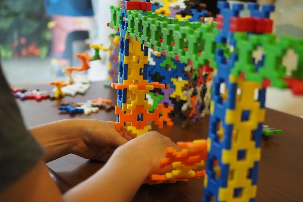 klocki konstrukcyjne incastro plastikowe edukacyjne najlepsze ciekawe polecane opinie