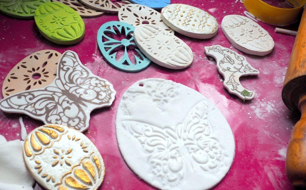 wielkanoc prace plastyczne dekoracje masa porcelanowa ozdoby