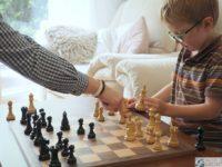 nauczyciel szachow