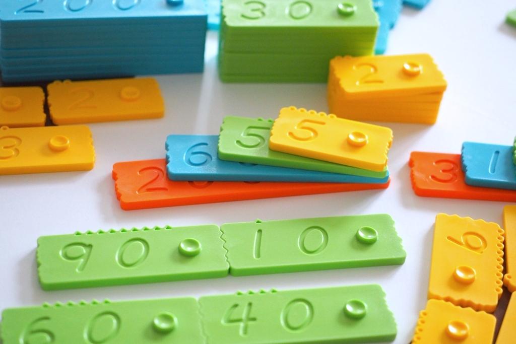 klocki newmero matematyczne edukacyjne plastikowe dla dzieci nauka liczenia