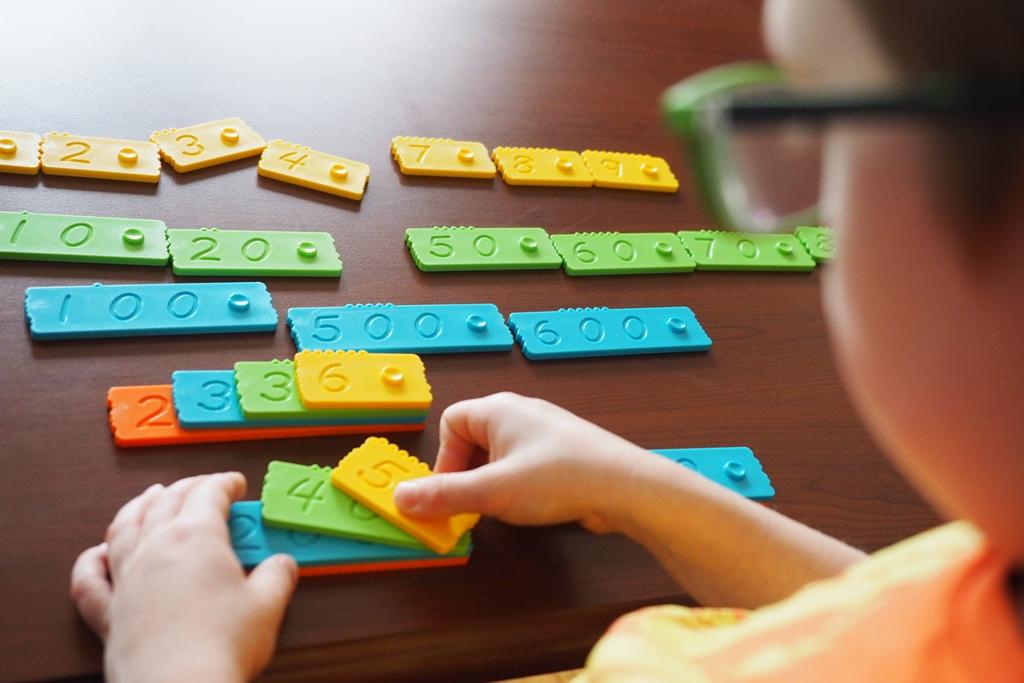klocki matematyczne edukacyjne nemwero plastikowe dla dzieci nauka liczenia zabawy pomoce