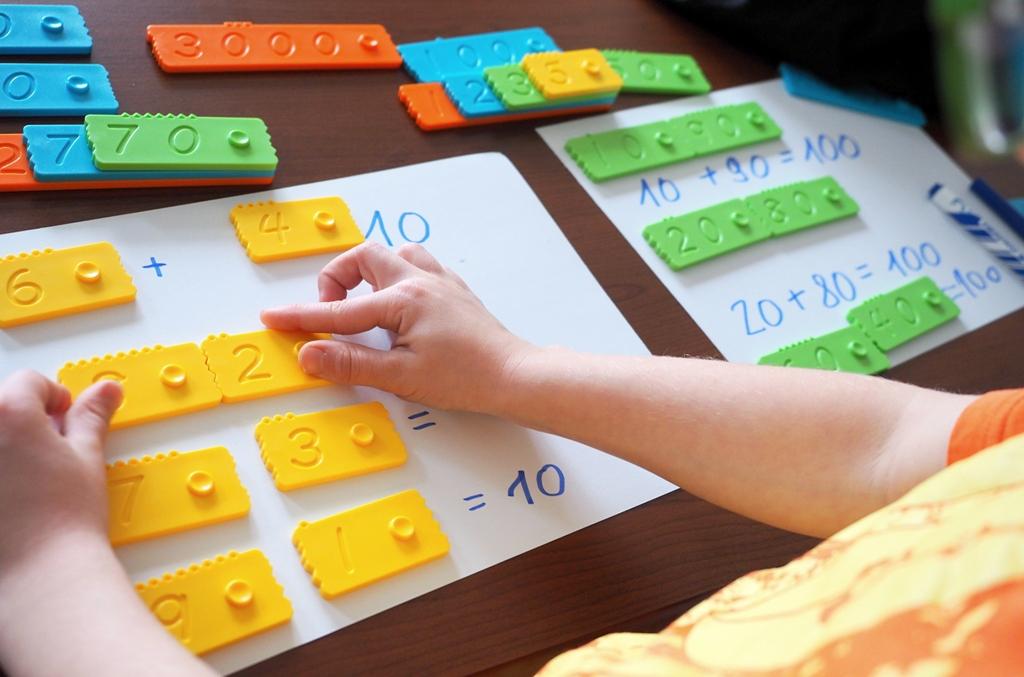 klocki konstrukcyjne matematyczne edukacyjne newmero plastikowe dla dzieci nauka liczenia zabawy pomoce