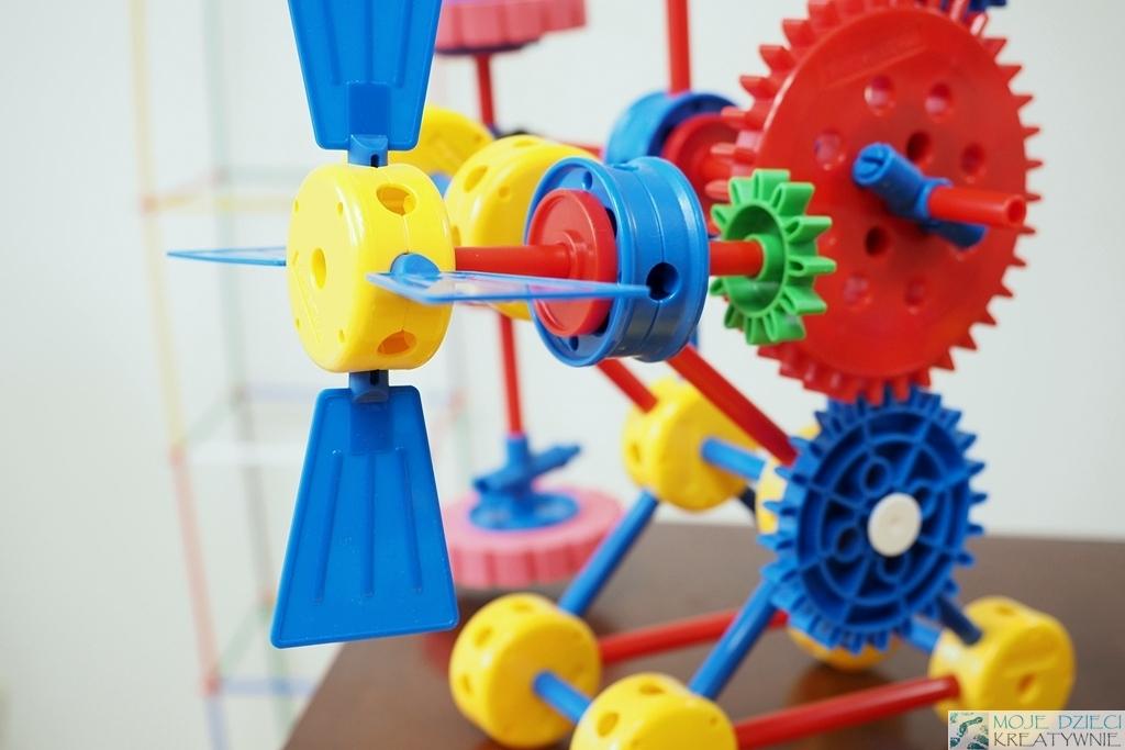 klocki dla dzieci konstrukcyjne plastikowe thinkertoy