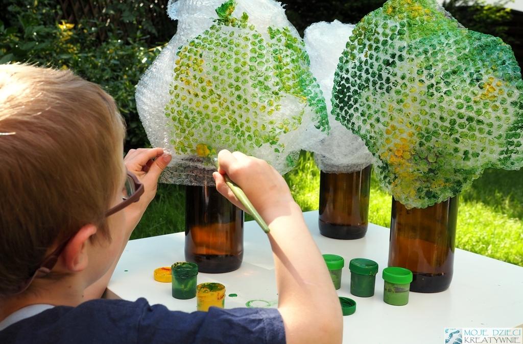 drzewko z recyklingu butelki i folii diy dla dzieci