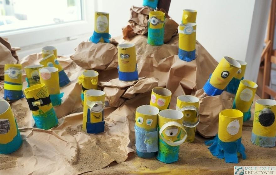 интересные художественные работы из рулонов туалетной бумаги