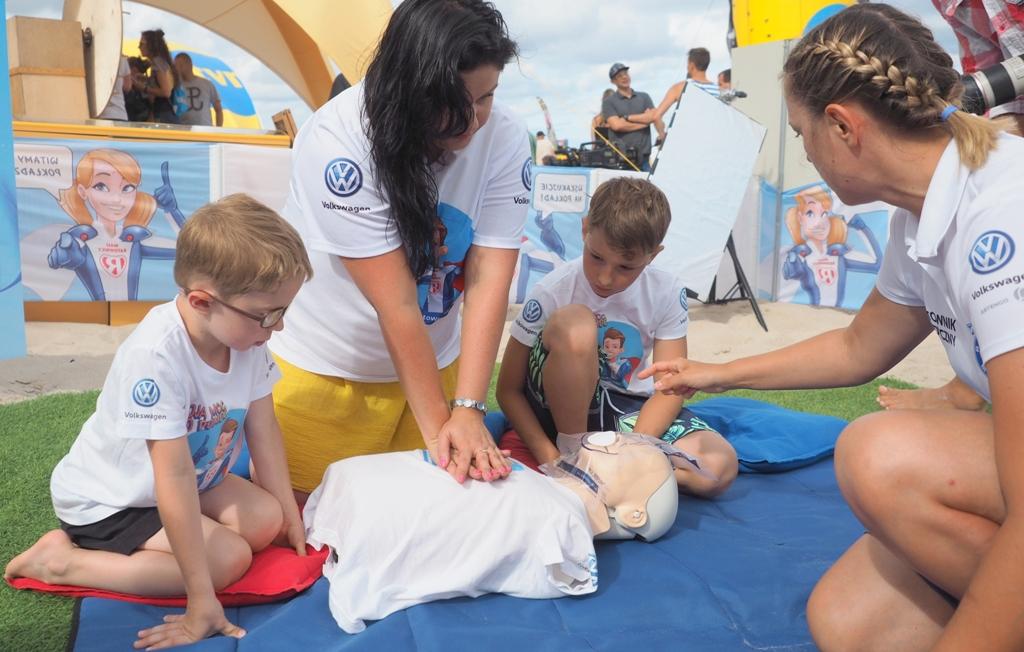 mali ratownicy nauka pierwszej pomocy