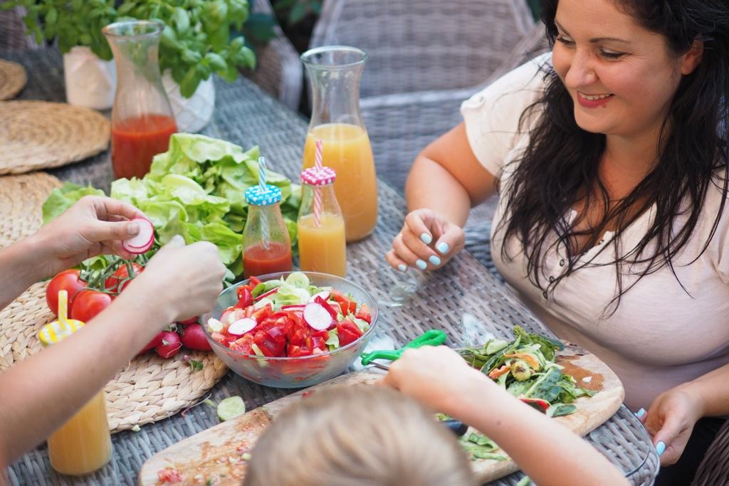 jak zachecic dziecko do jedzenia warzyw i owocow