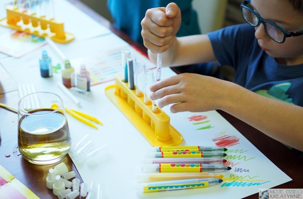 fabryka pisakow, zabawy dla dzieci w domu
