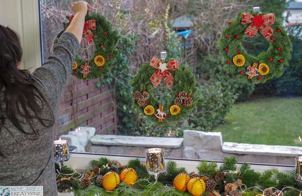 jak umocować dekoracje na oknie