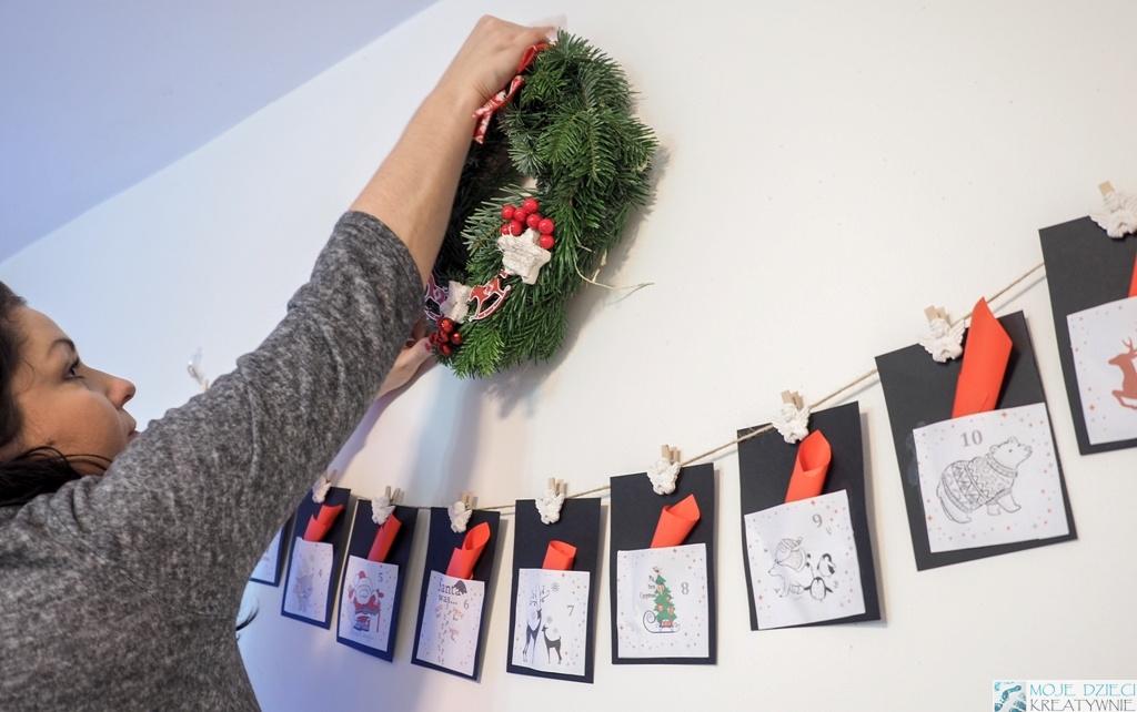 jak zawiesić wianek świąteczny