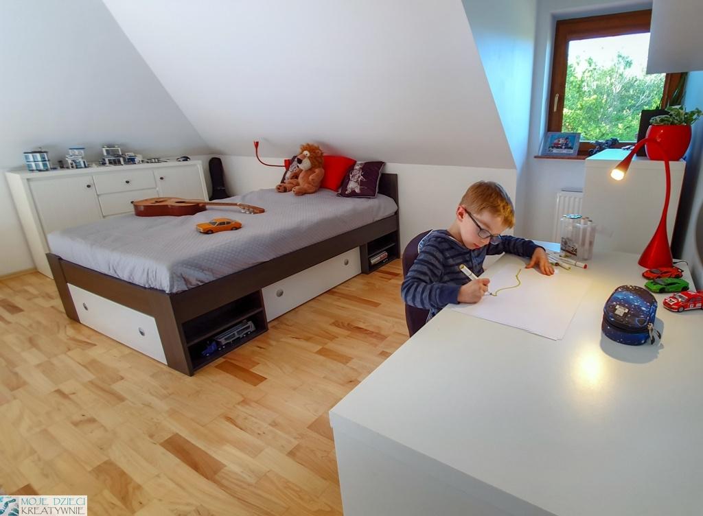 pokoj dla chlopca, pokoj dla ucznia, pokoj ze skosami, pomysły na pokoj dla chłopca