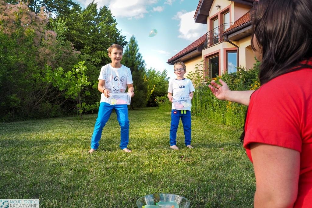 kreatywne dzieci, zabawy z balonami wodnymi, zabawy na lato, zabawy na urodzinki, zabawy w ogrodzie