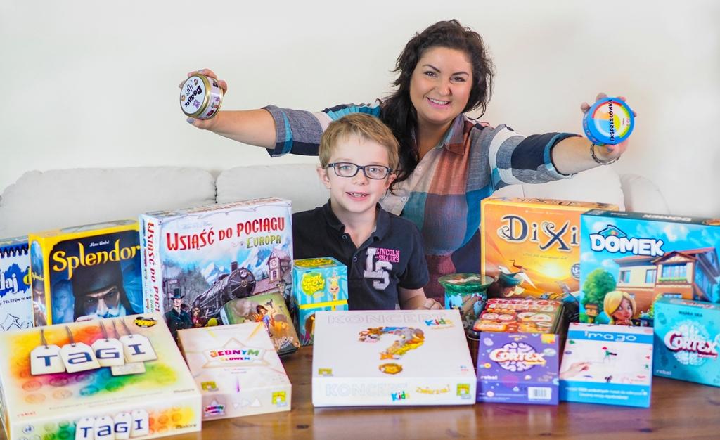 rodzinne gry planszowe dla dzieci, polcane gry planszowe dla dzieci do domu, gry strategiczne dla rodziny pełne pozytywnych emocji, najlepsze gry planszowe dla dzieci, ranking gier planszowych dla dzieci, ranking gier dla rodzin z dziećmi.