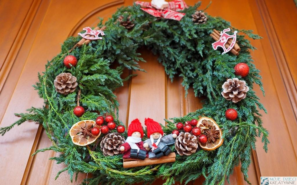 wianek na drzwi, jak zrobić wianek świąteczny na drzwi, świąteczny wianek diy