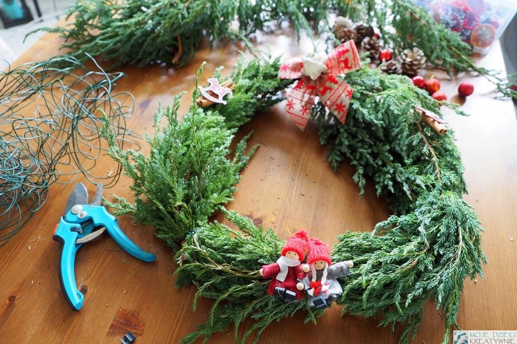 świąteczny wianek krok po kroku