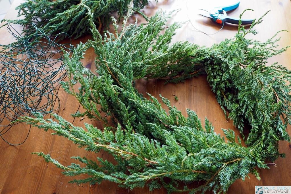 jak zrobić wianek świąteczny z gałązek
