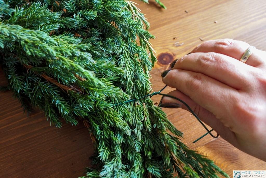 jak zrobić podstawę wianka świątecznego