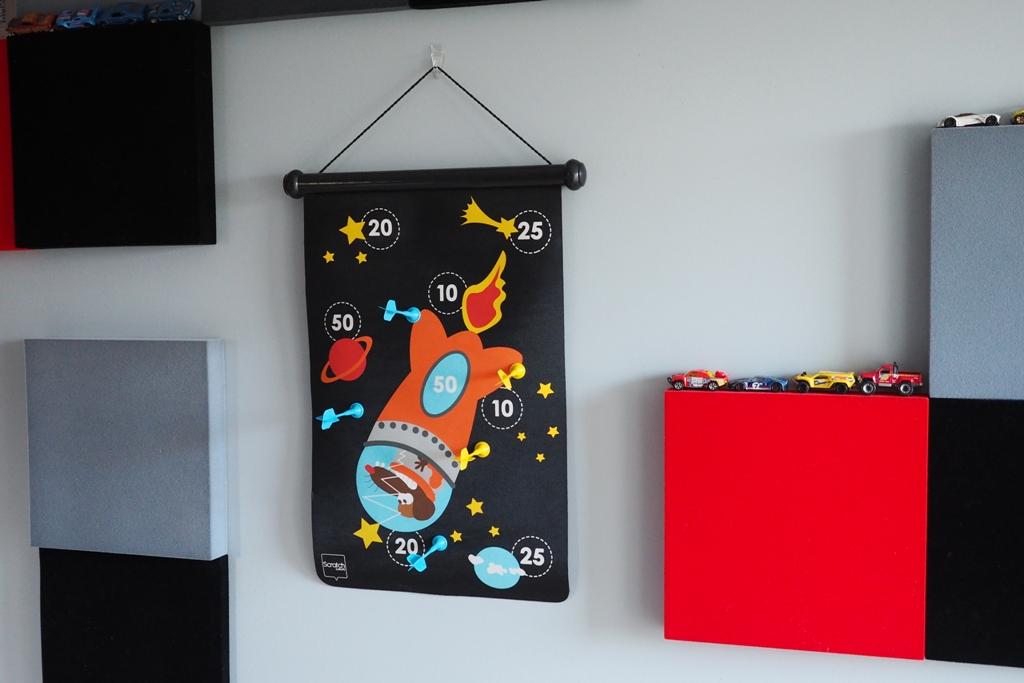 maganetyczne rzutki, magnetyczna tarcza, pomysły na prezenty dla chłopca