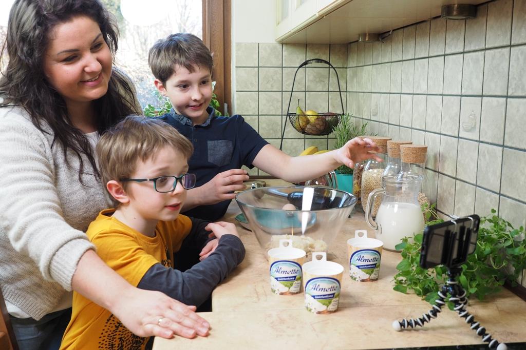 zostań w domu z przyjemnosćią, almette, gotowanie z dziećmi, gotowanie online