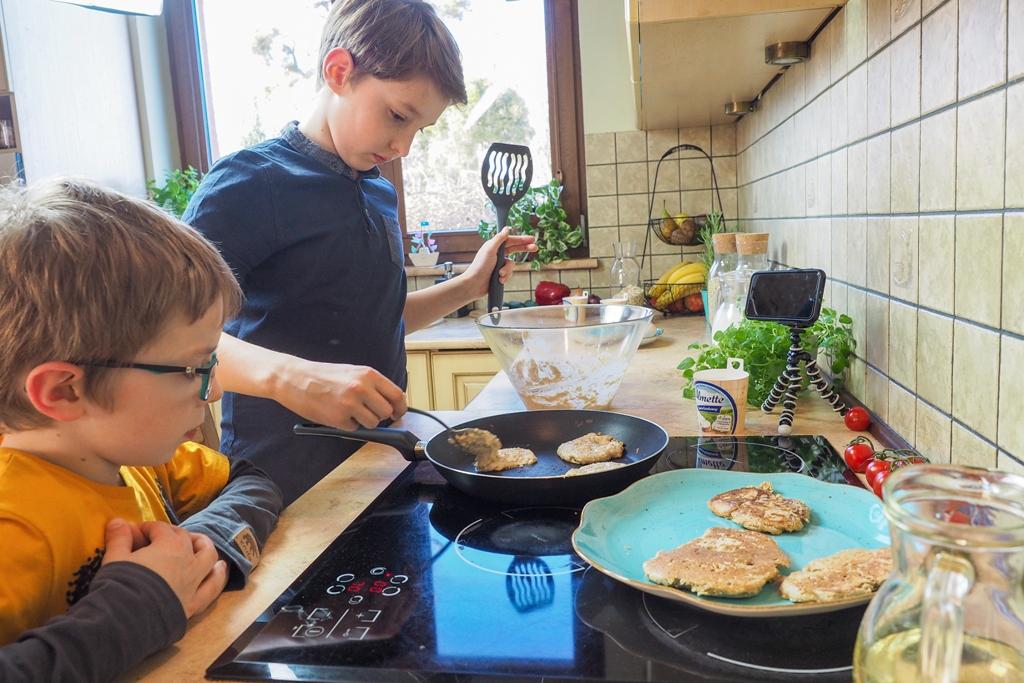 Przepis na pancakes, dzieci w kuchni, przepisy kulinarne dla dzieci