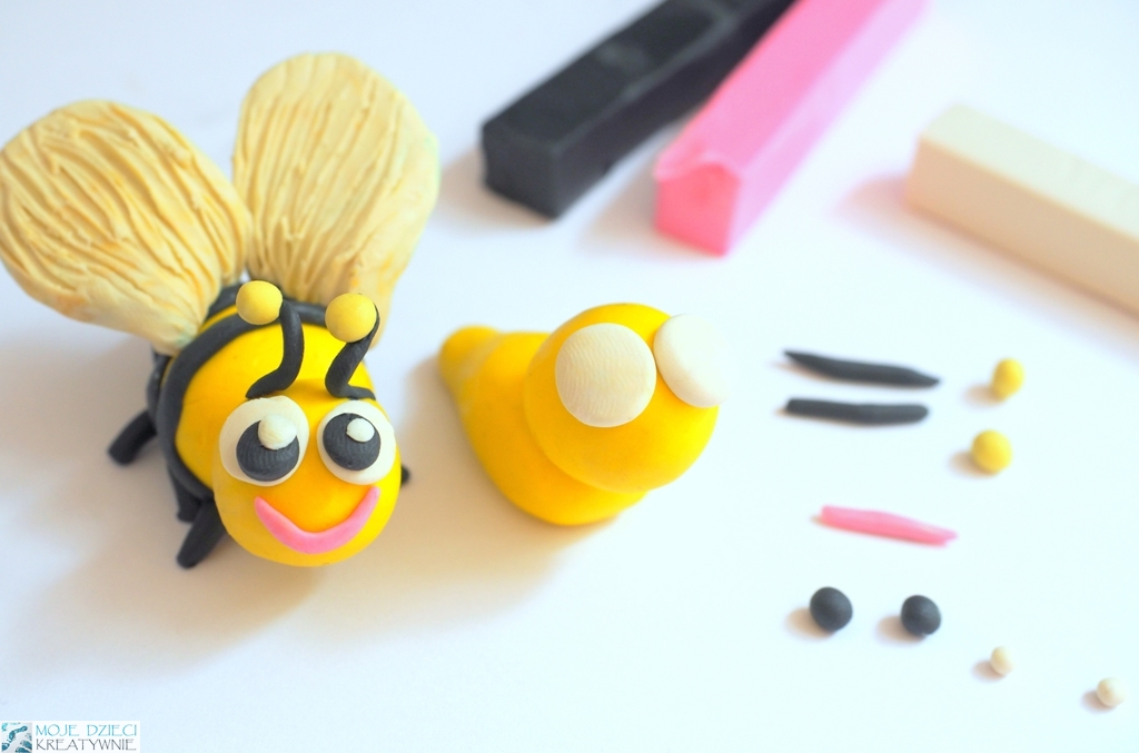 pszczoła z plasteliny, pszczoła z modeliny, figurki z plasteliny, zwierzątka z plasteliny.