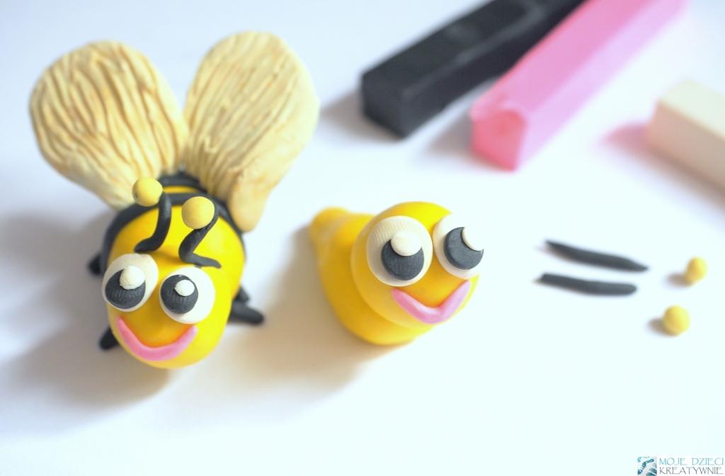 pszczoła praca plastyczna, pomysły na figurki z plasteliny, lepienie z plasteliny krok po kroku, pszczoła z plasteliny
