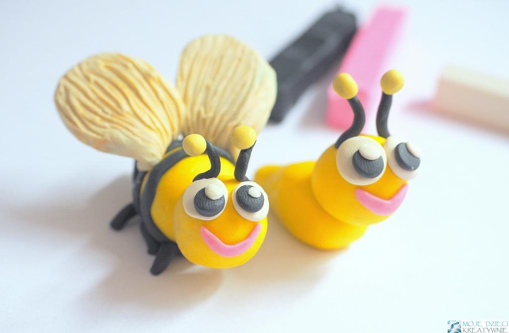 zwierzątka z plasteliny, pszczoła z plasteliny, pszczoła praca plastyczna, jak ulepić pszczołę krok po kroku