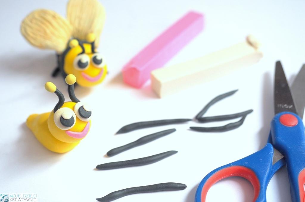 lepienie z plasteliny dla dzieci, figurki z plasteliny, zwierzątka z plasteliny