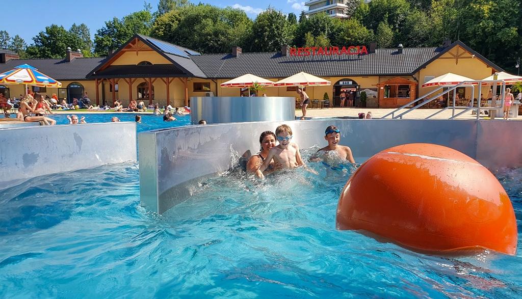 baseny muszyna, baseny zapopradzie, atrakcje dla dzieci beskid sądecki