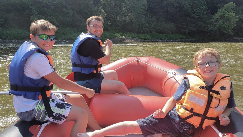 spływ pontonowy popradem, rafting na rzecze w polsce, atrakcje Beskid Sądecki, blog parentingowy