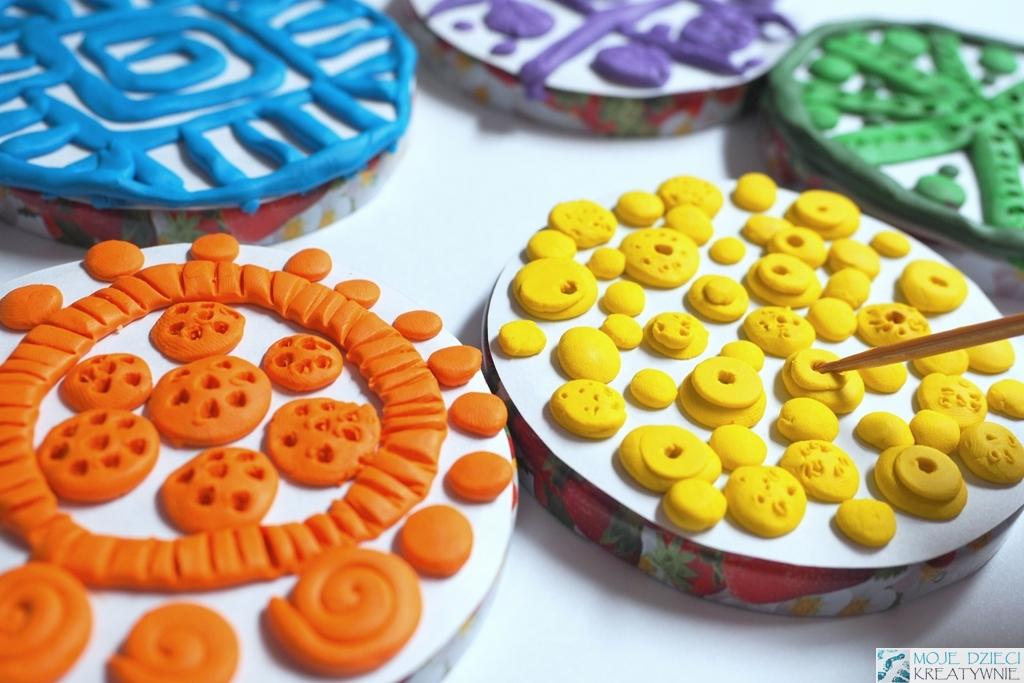 co można zrobić z plasteliny, prace plastyczne z plasteliny, pomysły na zjęcia plastyczne dla dzieci w szkole