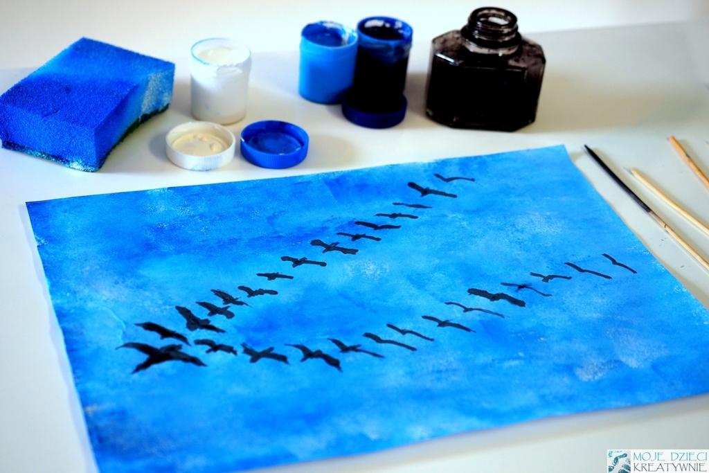 Klucz ptaków na niebie, prace plastyczne jesień, ciekawe tematy prac plastycznych, ptaki