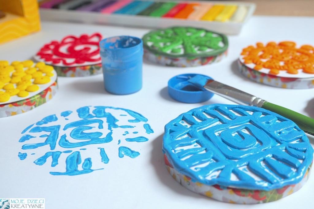 ponad 100 pomysłów na prace plastyczne dla dzieci, prace plastyczne z plasteliny, stemple z plasteliny