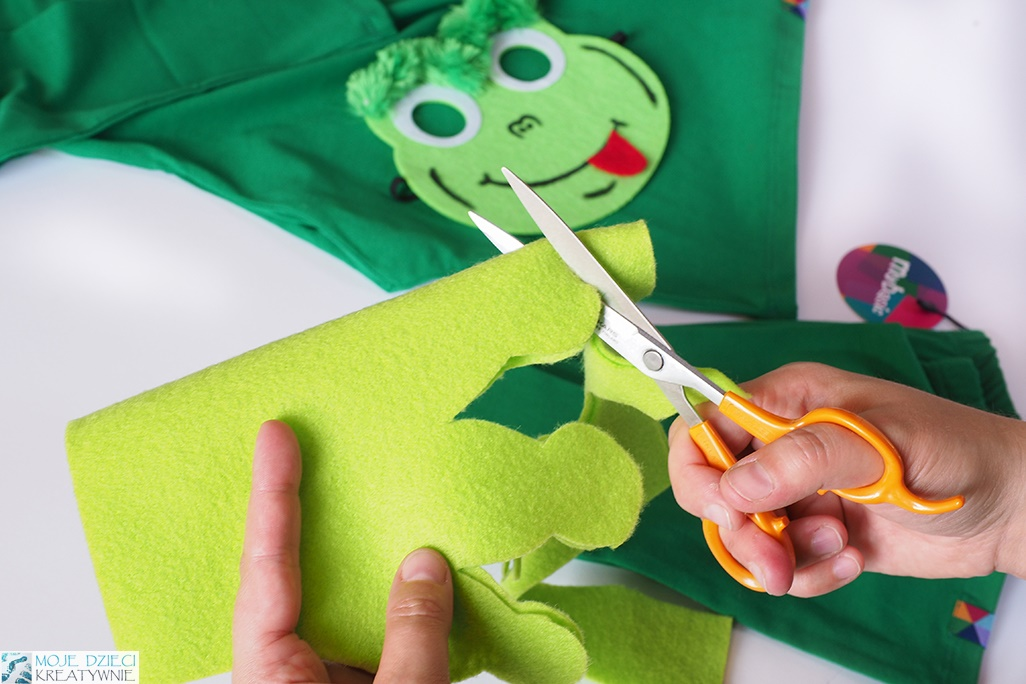 pomysły na przebrania dla dzieci do samodzilnego wykonania, stroje dla dzieci zrób to sam, przebranie żaby, żaba strój