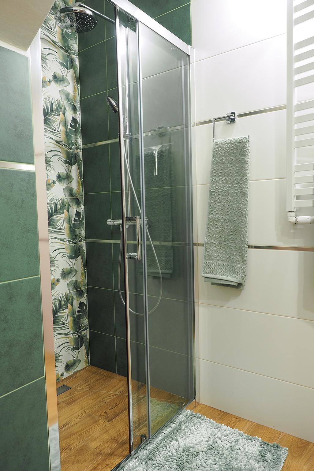 remont małej łazienki z prysznicem