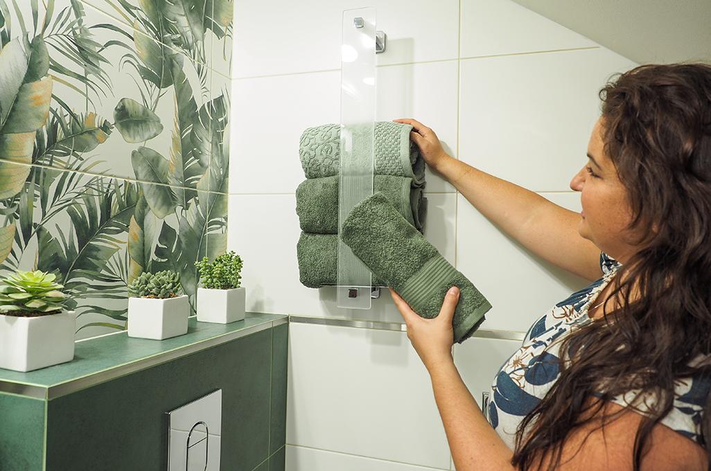 akcesoria łazienkowe tesa, akcesoria łazienkowe bez wiercenia, półka na ręczniki, wieszak do ręczników, ręczniki dla gości