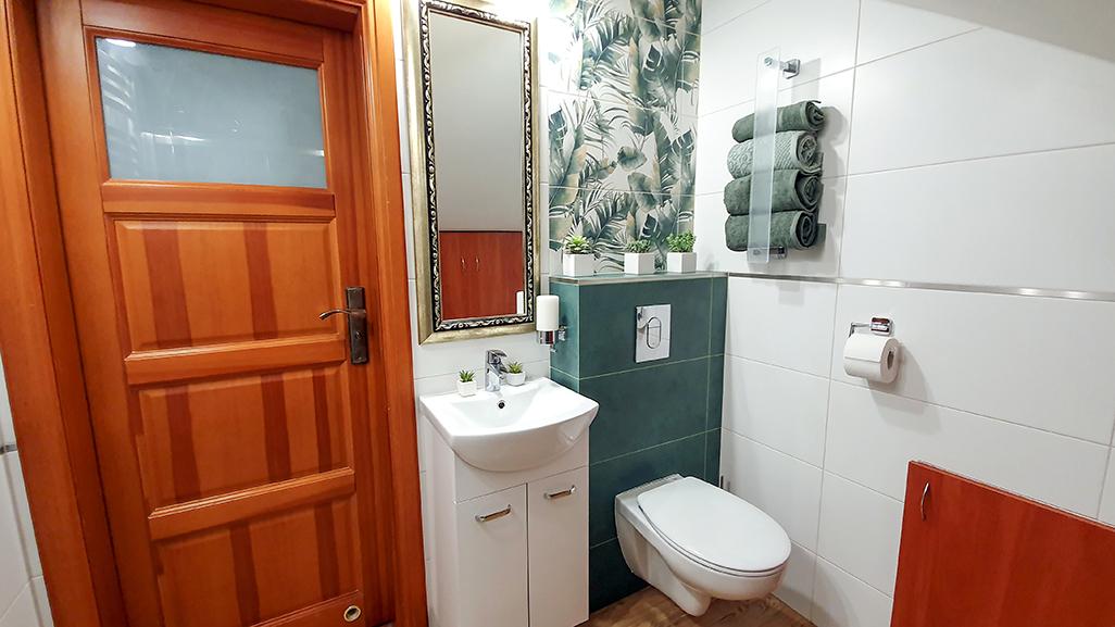 dekory ściene, burano tubądzin, burano green, mała łazienka inspiracje, projekty, pomysły.